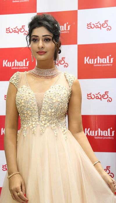 Tollywood Actress Payal Rajput Inaugurates Kushal's Fashion Jewellery Flagship Store at Jubilee Hills, Hyderabad - newsonfloor.com