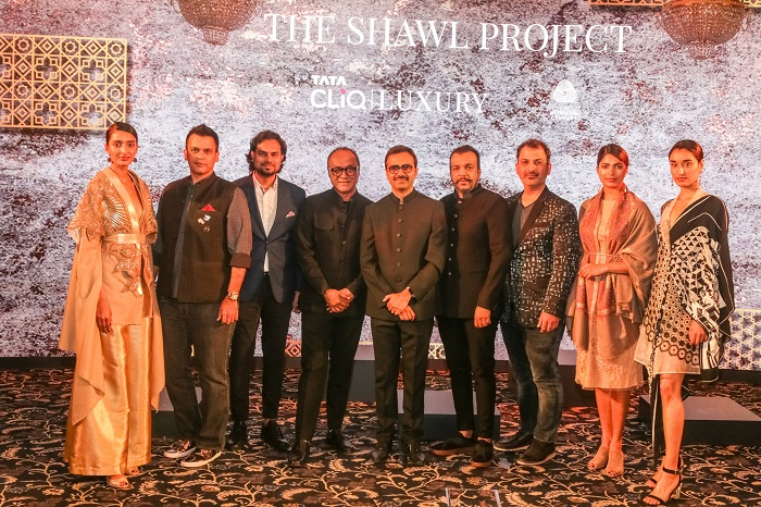 Ashutosh Pandey, Chief Executive Officer, Tata CLiQ (center) with the designers and the models at the launch of The Shawl Project