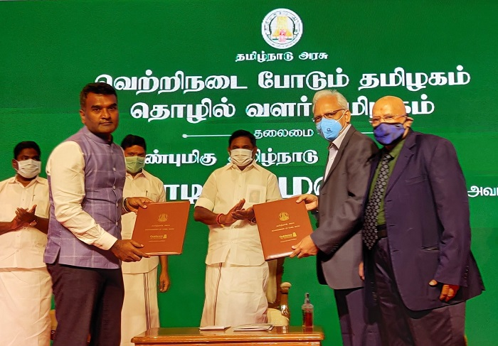 Shri Thiru Edappadi K. Palaniswami, Hon?ble Chief Minister of Tamil Nadu and PPG Sarma, Managing Director ? City Gas Distribution, AG&P at the signing of MoU for the development of AG&P Pratham?s CGD networks that will invest 2,700 crores and generate 7,000 direct and indirect jobs