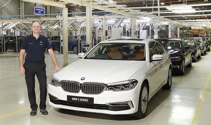 Mr. Thomas Dose MD BMW Plant Chennai with the BS VI diesel BMW 5 Series