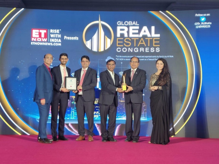Brookfield Properties team receiving the ET Now Global Real Estate Congress Awards 2020