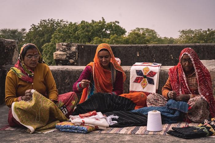 Women Artisans of Hatheli Sansthan Crafting Patchwork Kantha Bedsheets