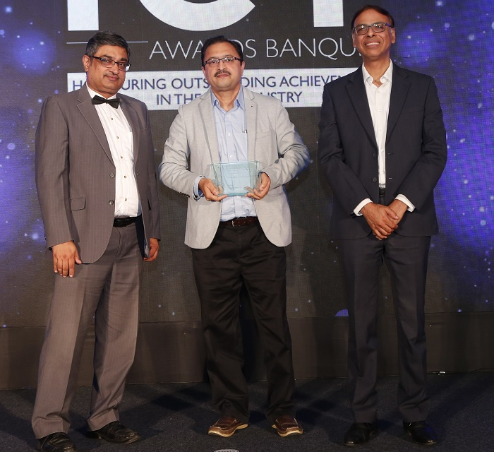 Mr. Pallav Maru, India Head, Versa Networks, receiving 'SDWAN Platform Provider of the Year' award from Mr. Puneesh Lamba, Group CIO, CK Birla Group, in the presence of Mr. Raghavendra Rao, Associate Partner & Sr. Vice President, Frost & Sullivan