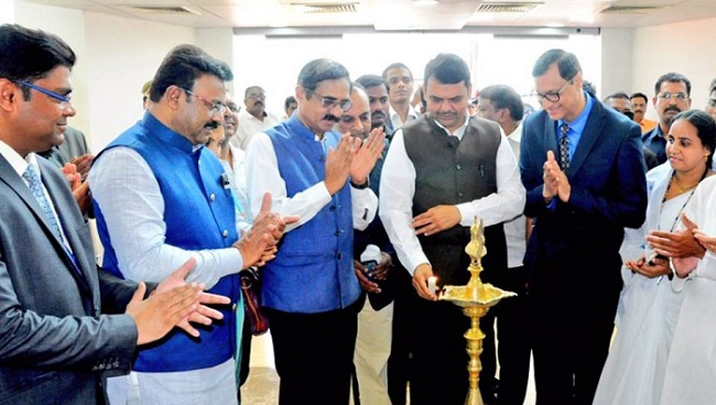 Hon'ble Chief Minister of Maharashtra - Shri Devendra Fadnavis along with Dr. BS Ajaikumar – Chairman and CEO – HCG Enterprises Ltd and Dr. Ajay Mehta - Director and Head of Surgical Oncology –NCHRI at the inauguration of HCG NCHRI Cancer Centre in Nagpur