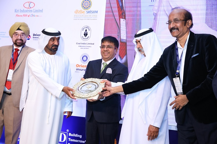 <b>Mr Atul Temurnikar &#8211; Chairman Global Schools Foundation and Mr. B.G. Shenoy receiving the Golden Peacock Award from Highness Sheikh Nahyan bin Mubarak Al Nahyan in presence of Gen. Ahluwalia</b>&#8220;></td> </tr> <tr> <td width=