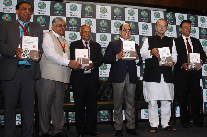(L-R) – Dr. Girish Ahuja; Mr. T M Bhasin – Vigilance Commissioner; Dr. Ravi Gupta; Justice A K Sikri – Judge, Supreme Court of India; Hon'ble Minister of Finance, Defense & Corporate Affairs, Shri Arun Jaitley; and Shireesh Sahai – CEO – India, Wolters Kluwer, at the launch of 'Concise Commentary on Income Tax'