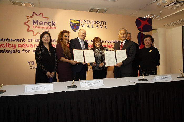 (L to R): Ms. Ee Boon Huey, President and Chief Executive Officer of Merck Malaysia, Dr. Rasha Kelej - CEO Merck Foundation, Prof. Frank Stangenberg-Haverkamp, Chairman of the Executive Board and Family Board of E-Merck KG and Chairman of Board of Trustees of Merck Foundation, Dr. Mary Yap Kain Ching, Deputy Minister of Higher Education Malaysia, YBhg. Datuk Ir. (Dr.) Abdul Rahim Hashim, Vice-Chancellor, University Of Malaya, YBhg. Dato' Professor Dr. Adeeba Kamarulzaman, Dean of the Faculty of Medicine, University of Malaya