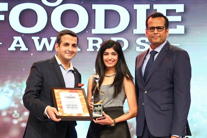 Prateek Kalra, Dir. F&B, JW Marriott Mumbai Sahar and Ashuli Saini, Restaurant Manager, Romano's