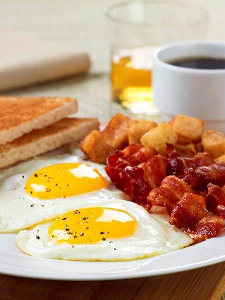 Breakfasts At Bombay Baking Company