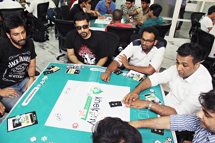 Players Enjoying KhelPlay Poker Fiesta at Bombay Connect