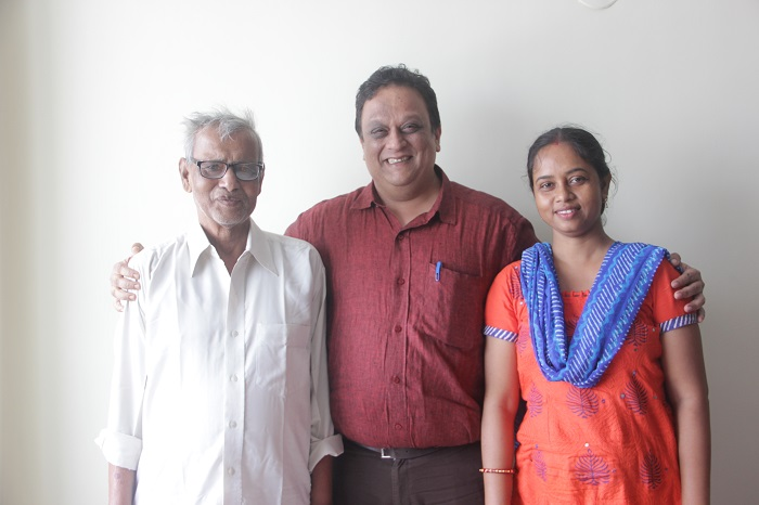 (M) Dr. Arjun Dasgupta, Consultant-ENT, Medica Superspecialty Hospital along with the 74-years-old man, Jiban Kumar Das and his daughter Piyu. He had recently undergone a successful miraculous surgery at Medica Superspecialty Hospital