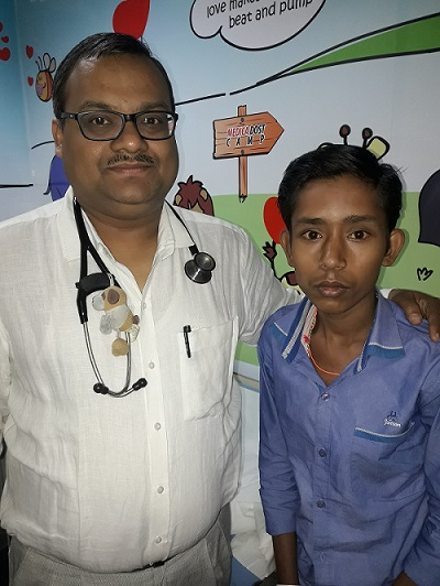Dr. Anil Kumar Singhi, Senior Consultant Interventional Paediatric Cardiologist, along with the patient Kumar, who had undergone a non-surgical trans-catheter procedure at Medica Superspecialty Hospital in Kolkata