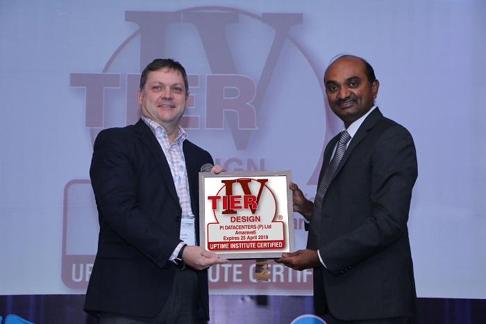 Mr. Kalyan Muppaneni (Right) Founder & CEO, Pi DATACENTERS, receiving Uptime Institute Tier IV Certificate from John Duffin (Left), Managing Director South Asia, Uptime Institute