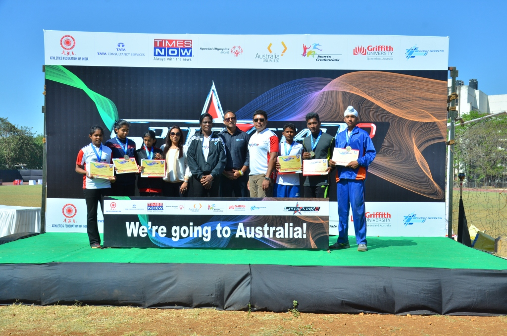 PT Usha ,Prabhu Srinivasan, CEO and Susir Kumar, Chairman KOOH Sports with Speedstar winners