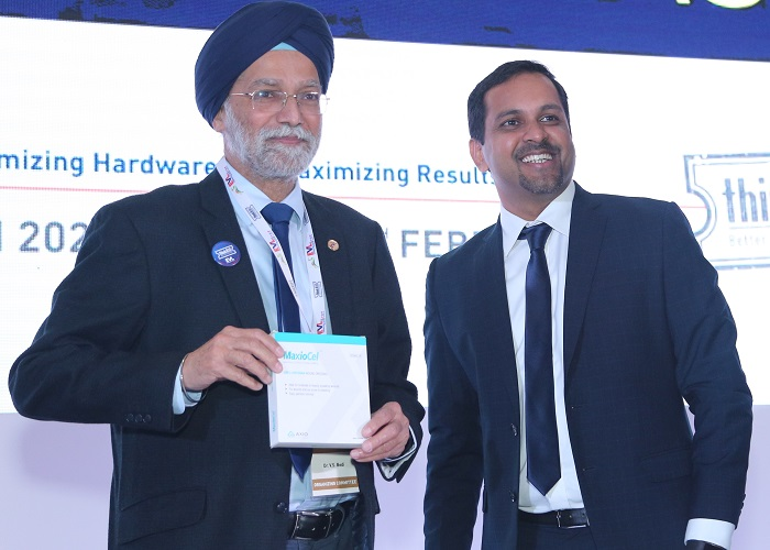 (Left to Right): Dr. V. S. Bedi, Director and Chairman, Vascular and Endovascular Department, Sir Gangaram Hospital, launched MaxioCel along with Leo Mavely, CEO and Founder, Axio Biosolutions.