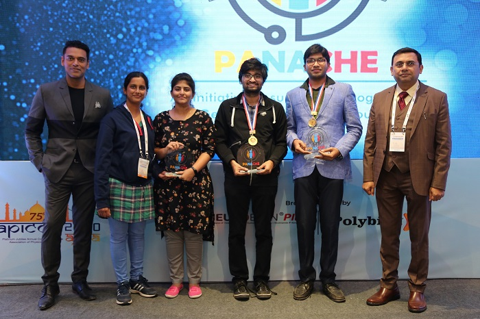 From L to R: Samir Kochhar, quiz-master; Dr. Tejaswini M from Yenepoya Medical College, Mangalore and Suma Damera from Rangaraya Medical College, Kakinada (joint 2nd runners-up); P. Shri Ram from Gandhi Medical College, Secunderabad (1st runner-up); Dr. Vivek Nidhi from Burdwan Medical College and Hospital, Burdwan; Milind Thatte - Managing Director, Procter & Gamble Health Limited