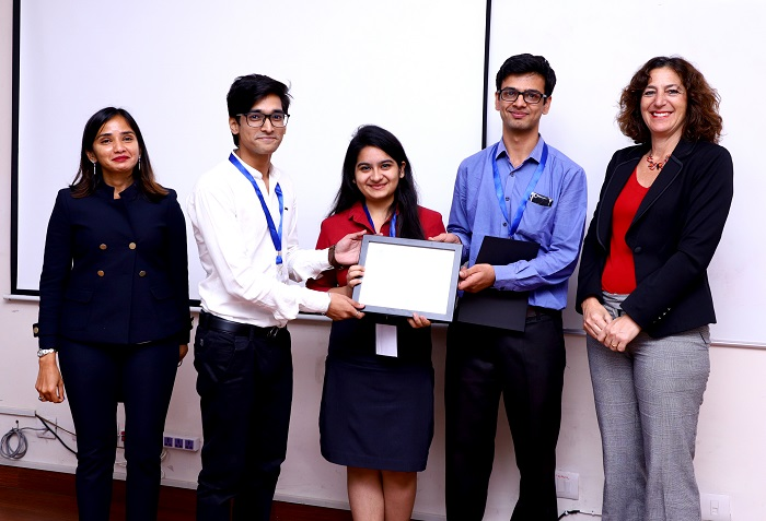 The winning team from Bharti Vidyapeeth College of Engineering, Delhi with Dr. Aakanksha Chowdhery, Director of the Celestini Program India (left) and Prof Andrea Goldsmith, director Marconi Society and Professor of Electrical Engineering, Stanford University (right).