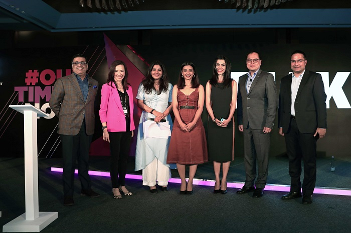 Verizon Media presents MAKERS India, a unique digital storytelling platform to accelerate the women?s movement in India #OurTimeIsNow, From left to right - Nikhil Rungta - Country Manager for Verizon Media?s India business, Rose Tsou ? Head of International at Verizon Media, Shradha Sharma - Founder, CEO and Chief Editor of YourStory, Radhika Apte - Emmy-nominated actress, Shereen Bhan ? Managing Editor of CNBC TV 18, Rico Chan, Co-Head APAC