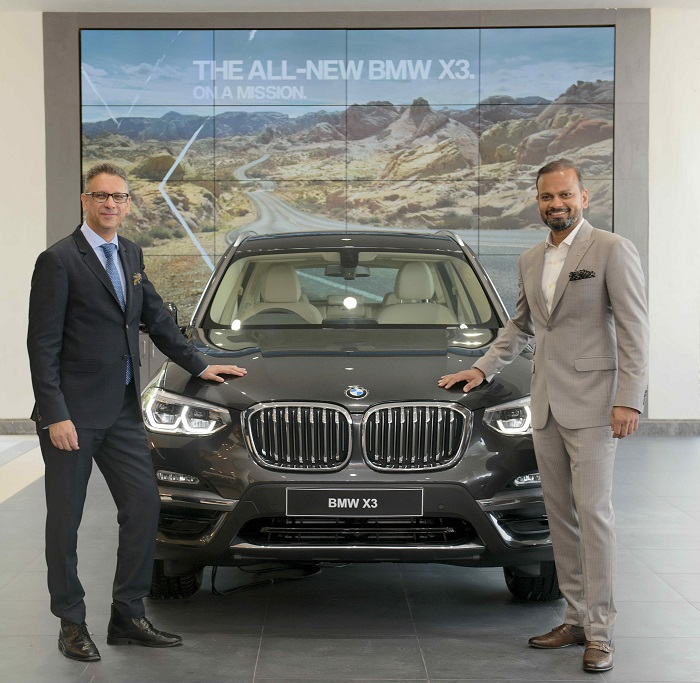 (L-R) Mr. Vikram Pawah, President, BMW Group India with Mr. Tanuj Pugalia, Dealer Principal, Gallops Autohaus