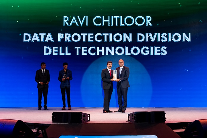 Ravi Chitloor receiving the award for Technical Role Model by Zinnov