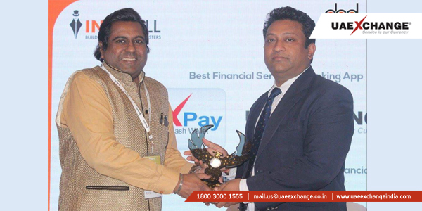 Mr. Satish Chawla, Zonal Head, Mumbai - UAE Exchange India receiving the award