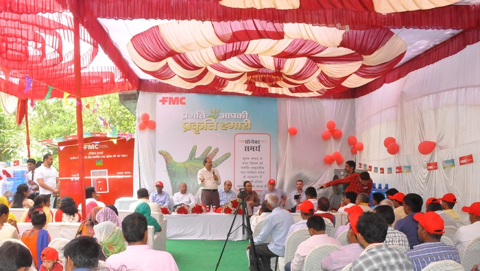 Dr. Soraj Singh - Director of Agriculture, Govt. of U.P. addressing the gathering at the inauguration