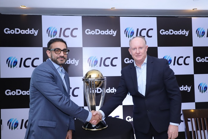 (From Left to Right): Nikhil Arora, MD and VP of GoDaddy India and Campbell Jamieson, General Manager Commercial, ICC with the Cricket World Cup Trophy.