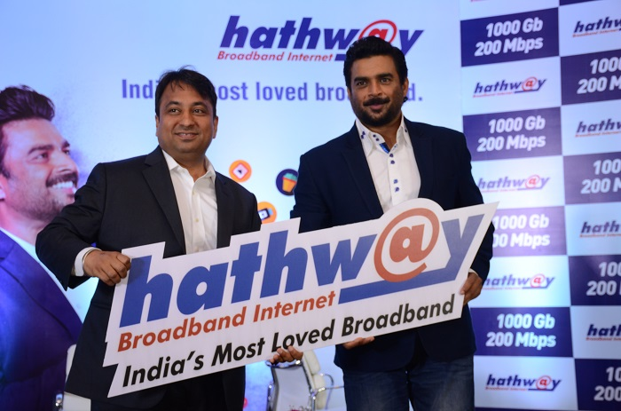 Actor R Madhavan roped in as the brand ambassador for hathway broadband (L-R) Mr. Rajan Gupta - M.D Hathway, R Madhavan