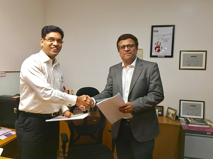 HDFC Life partners with Manipal Global Education to launch a unique Digital Source, Train & Hire Model with the Young Managers Program. Mr. Rajendra Ghag, Sr. Executive VP & CHRO, HDFC Life and Mr. Ravi Panchanadan, President & COO, Manipal Global Education Services (MaGE) were present for the signing