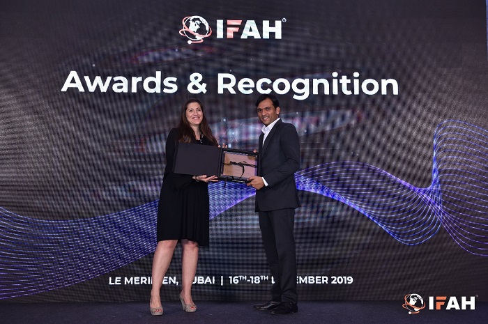 Thermaissance's Founder, Manish Raval, accepting 'Top 50 Innovative Healthcare Companies in World' award by International Forum on Advancements in Healthcare (IFAH)