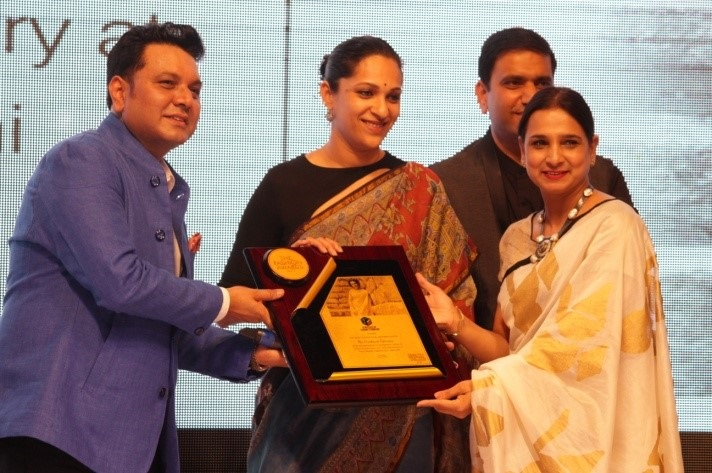From Left to right: R.C. Dalal, Executive Director, JD Institute of Fashion Technology with designer Prashanti Tipirneni, Ms. Rupal Dalal, Director, JD Institute of Fashion Technology  at The Fashion Awards 2017