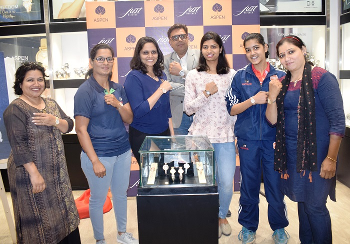Celebrating the spirit of womanhood, and achievements Aspen watches   felicitated International players, Bhagyashri Kolte, Pooja Sahasrabudhe, Rutuja Satpute, Coach Mrunalini Kunte- Aurangabadkar and women Sports Journalist Poonam Kate