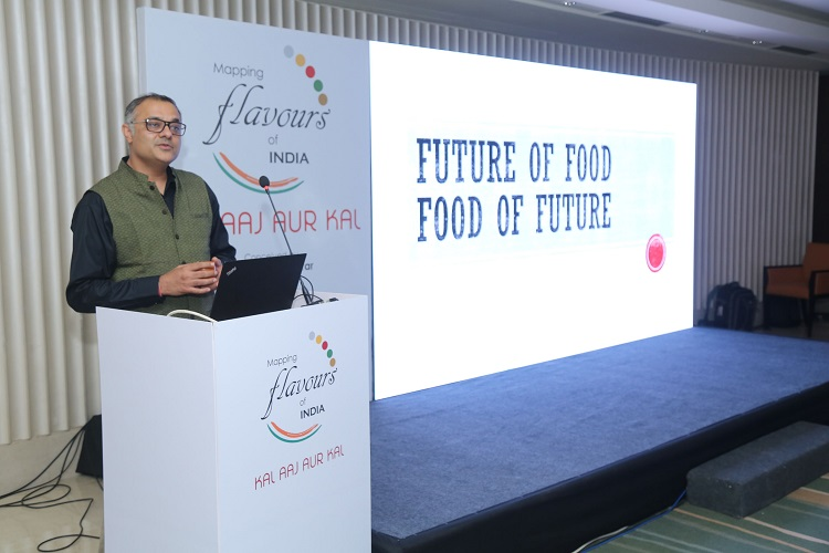 Mohit Anand, Managing Director, Kellogg India and South Asia addressing noted food thought leaders at Mapping Flavours of India - Kal, Aaj aur Kal presented by Kellogg India