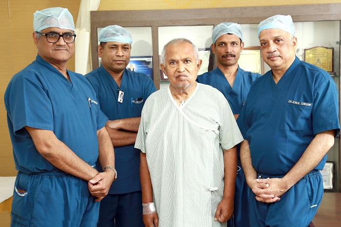 (L-R) Prof. (Dr.) Rabin Chakraborty, Dr. Dilip Kumar, Dr. Sandip Sardar, Dr. Kunal Sarkar from the Medica Heart Team and the patient Bikash Dutta, who had undergone a successful Transcatheter aortic valve replacement (TAVR) procedure at Medica Superspecialty Hospital in Kolkata on Tuesday