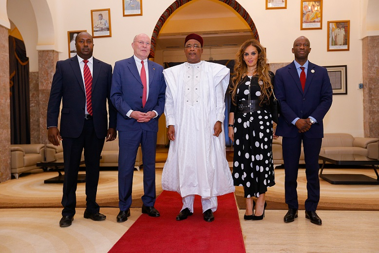 Prof. Frank Stangnberg-Haverkamp, Chairman of the Executive Board of E.Merck KG and the Chairman of Merck Foundation Board of Trustees, meets the President of Niger H.E. Mahamadou Issoufou to discuss Merck Foundation Commitment towards Niger