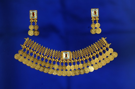 <b>Temple gold jewellery collection launched by SPARSH Touch of Elegance</b>&#8220;></p> <tr> <td width=