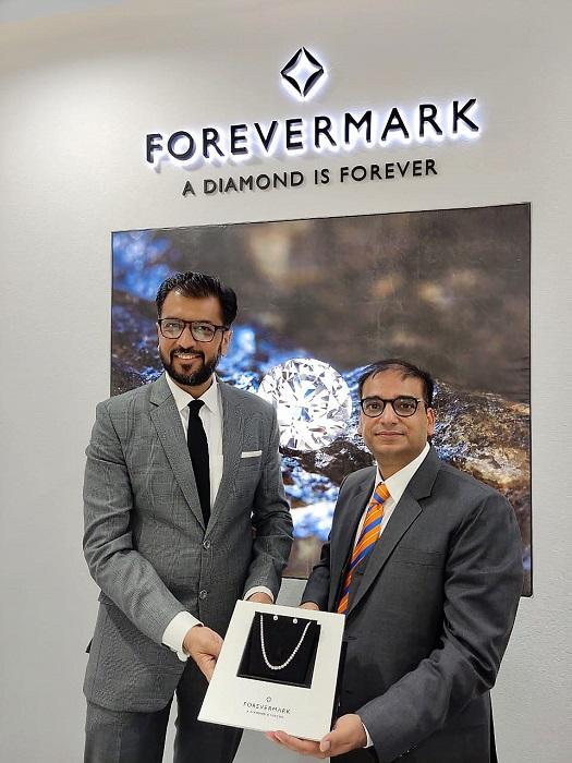 Mr. Sachin Jain, MD De Beers India & Mr. Sanjeev Saraf, CMD, Fortofino launch Forevermark diamonds in Ludhiana, Jammu & Ambala