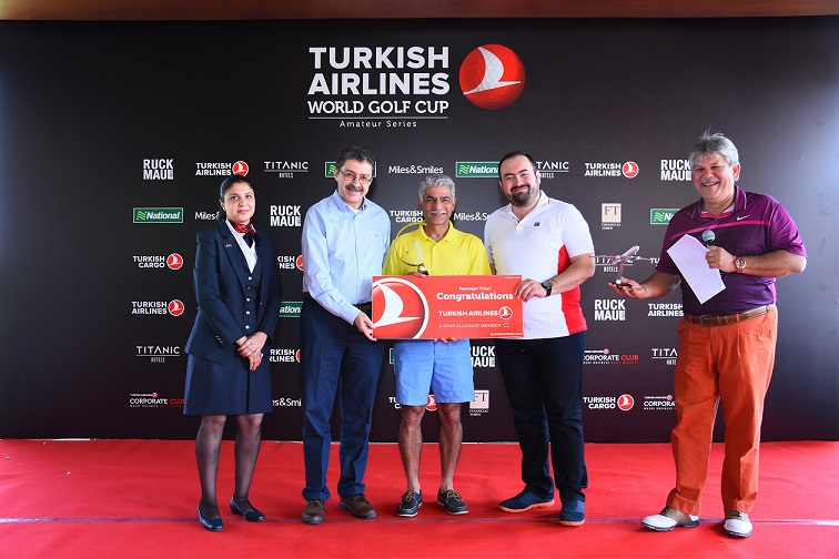 Sakir Özkan Torunlar, Ambassador of the republic of Turkey to India and Mr. Ozer Guler, General Manager, North and East India, Turkish Airlines felicitates Mr. Siddharth Jain, Managing DIrector,Turner International India Pvt Ltd – Winner of The Turkish Airlines World Golf Cup 2018, Delhi