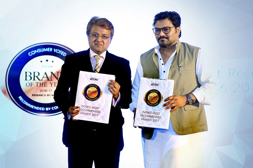 Brand of The Year book launch – L to R: Abhimanyu Ghosh – Editor in Chief and Shri Babul Supriyo honourable minister of state for heavy industries & Public Enterprise