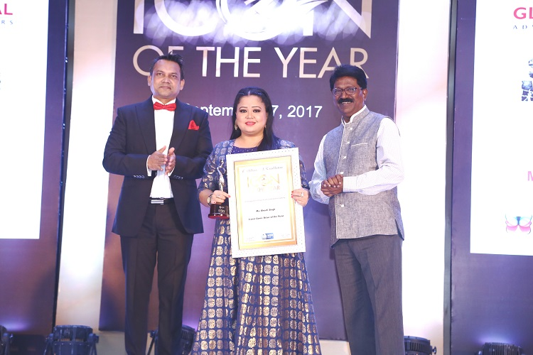 Comedian Bharti Singh with Sanjay Sahu at Icon of the Year award